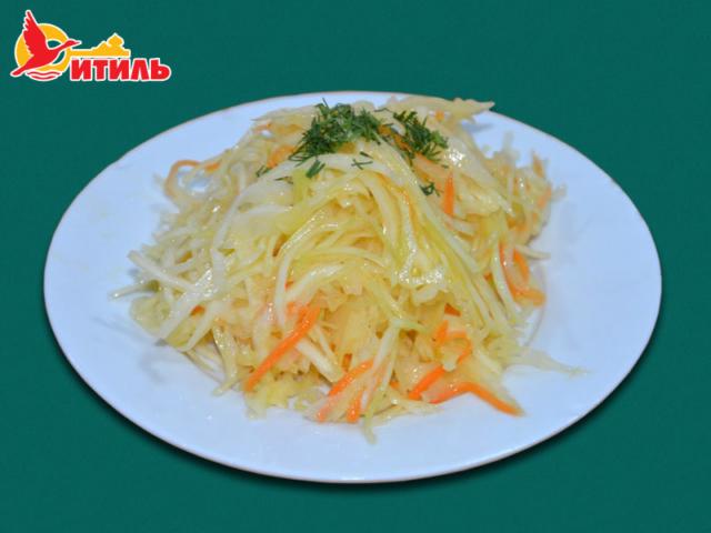 Салат капустный с зеленью